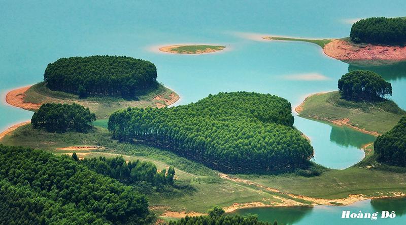 Hồ Thác Bà